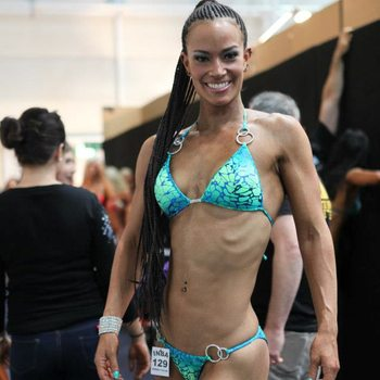 Susy Natal fitness model competition