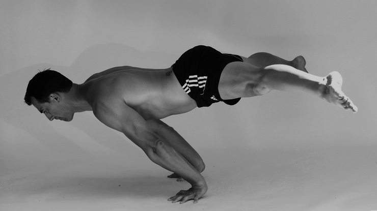 Step-by-Step Progressions and Tutorial to Learn the Planche