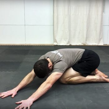 Easy sidebending stretch to loosen your stiff back