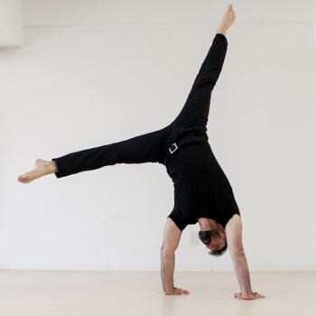Handstand Entry