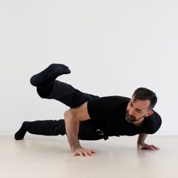 Horizontal floor activities to increase mobility