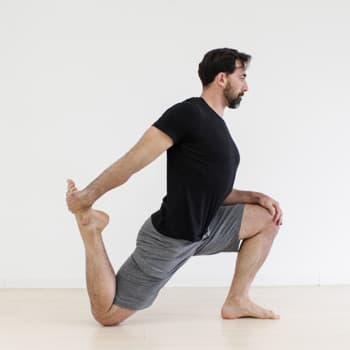 Ryan Hurst Lunge Stretch