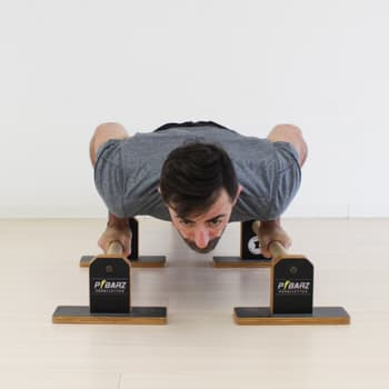 parallettes push-up with elbows in