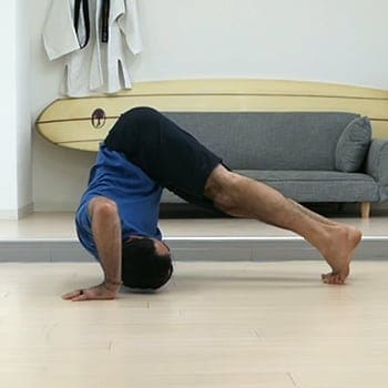 learning the basics of the forward shoulder roll
