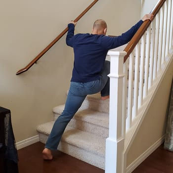 lunge up stairs